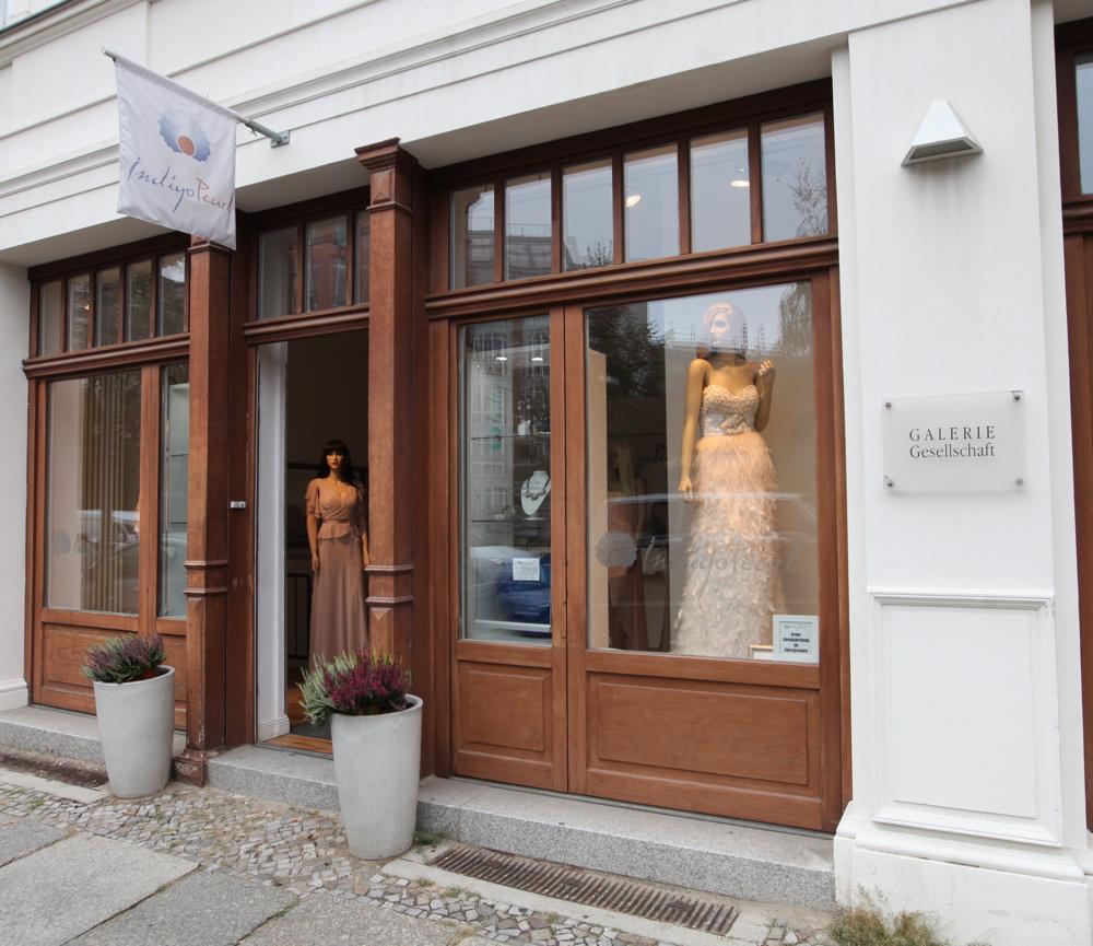 Indigo Pearl ist DAS Fachgeschäft für feinste Abendmode in Berlin